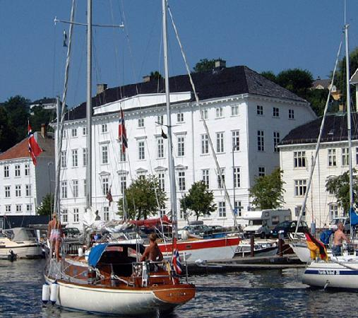 arendal-town-hall