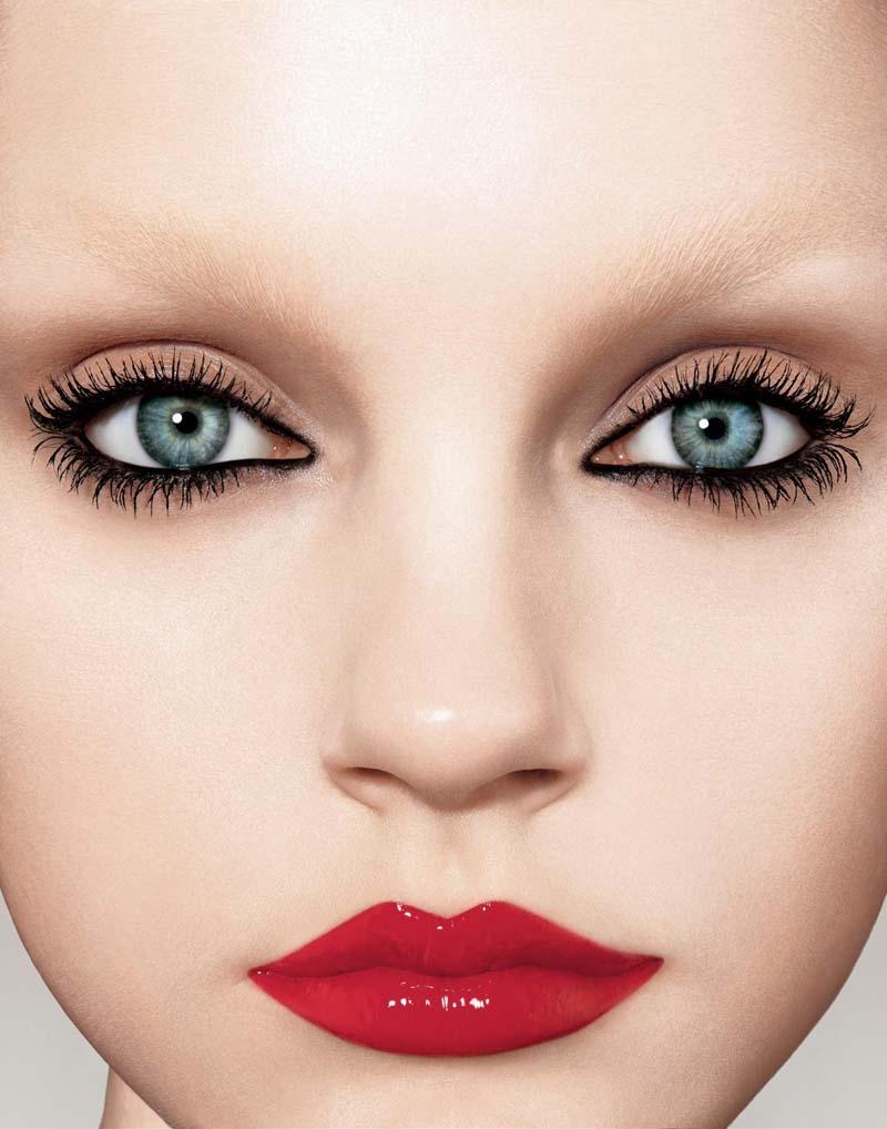 Always a winner-makeup