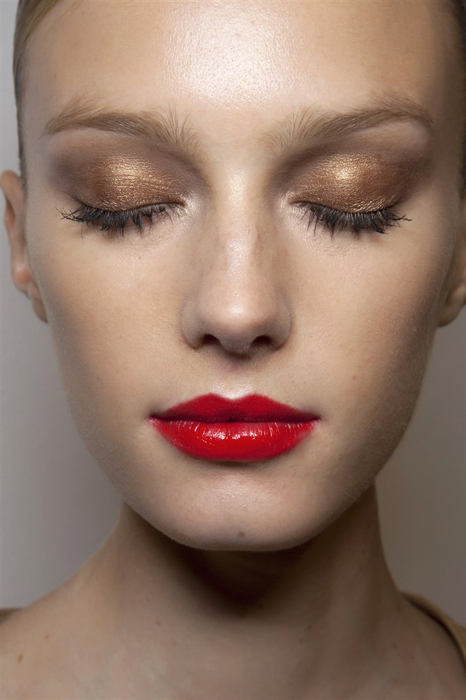 Close up – Golden and red