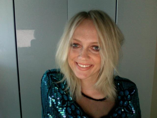 PhotoBooth: Messy hår, shine og blege læber