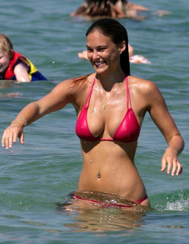 Bikini Babe – Bar Rafaeli