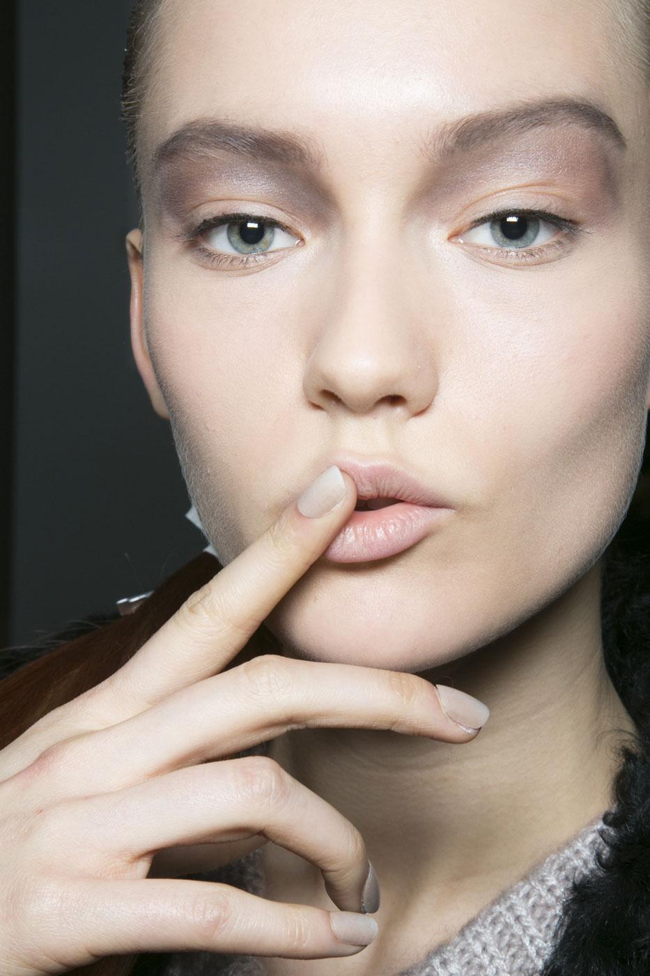 Få makeuplooket fra Alexander Wang