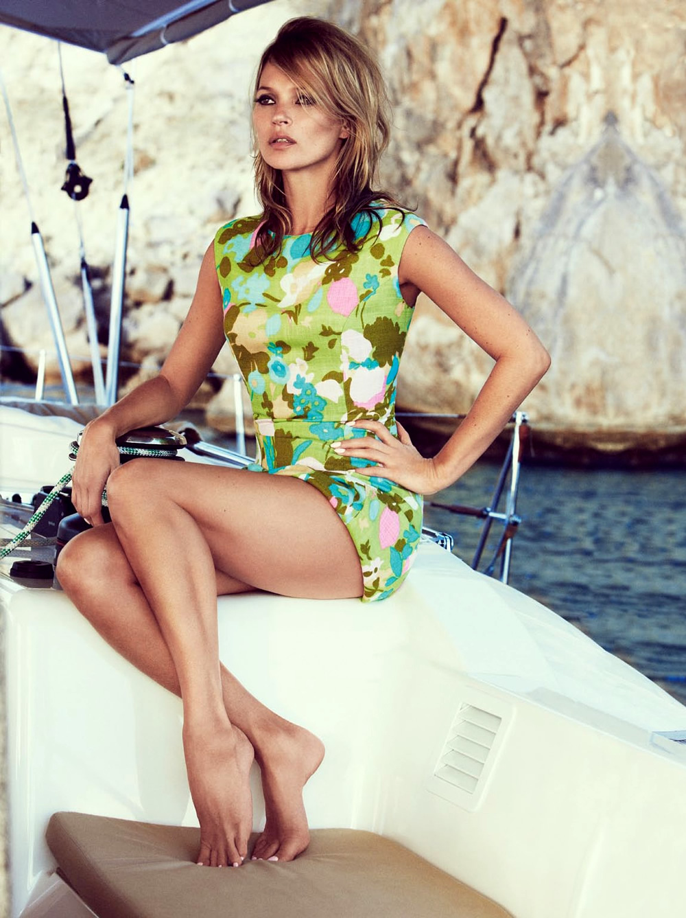 Kate-Moss-by-Patrick-Demarchelier-for-Vogue-UK-June-2013-2