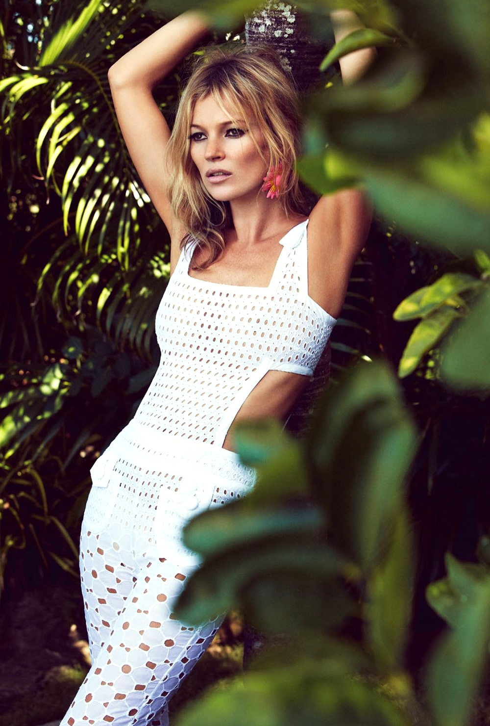Kate-Moss-by-Patrick-Demarchelier-for-Vogue-UK-June-2013-3