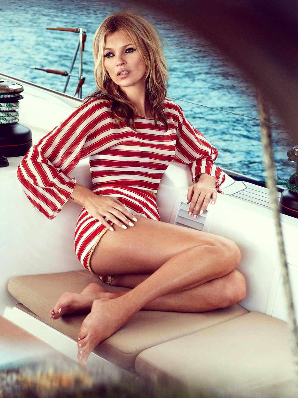 Kate-Moss-by-Patrick-Demarchelier-for-Vogue-UK-June-2013-8