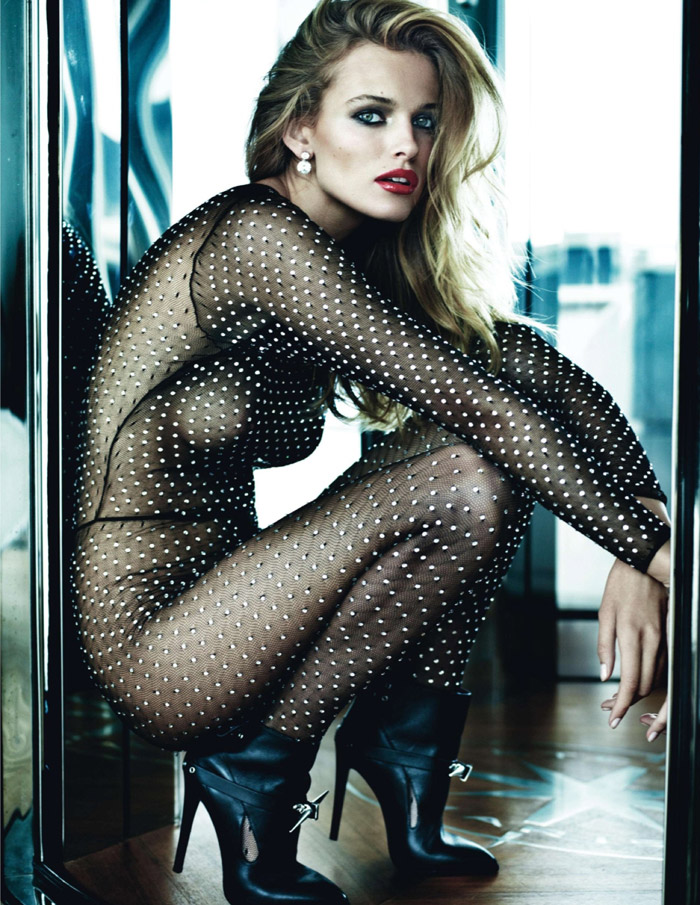 Edita-Vilkeviciute-and-Anja-Rubik-by-Mario-Testino-for-Vogue-Paris-7