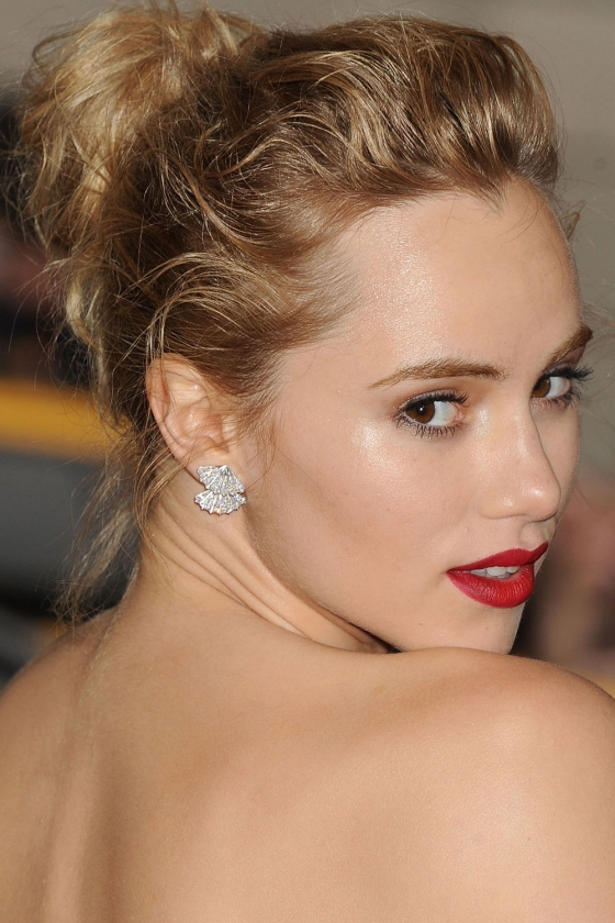 SUKI_WATERHOUSE_CROP_18