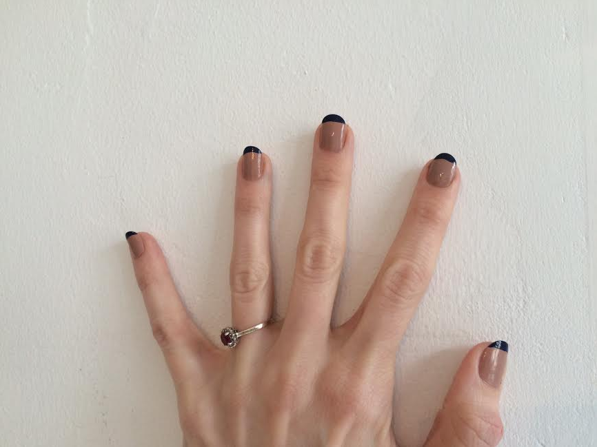 french-manicure-navy-beige-nailpolish-youblush