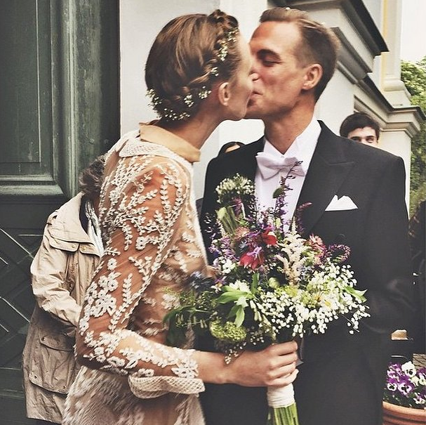 Frida-gustavsson-bride-married-flowercrown-braid-youblush
