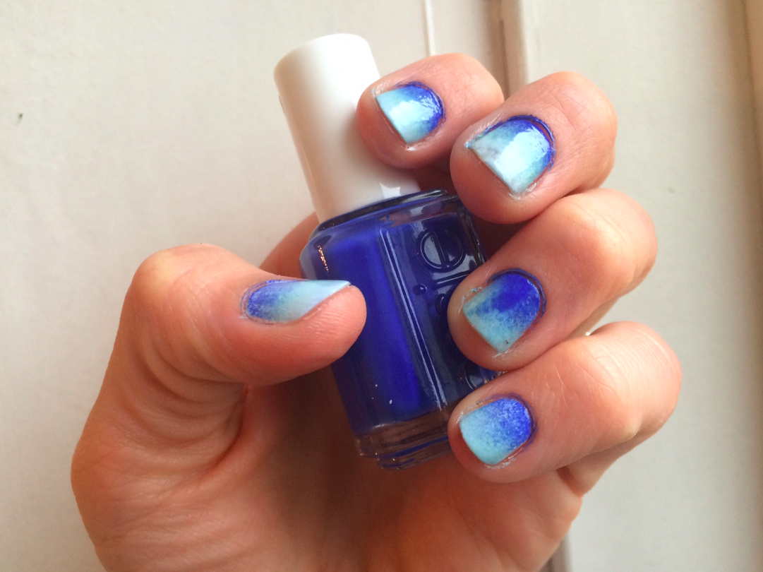 ombre-blue-nails-youblush