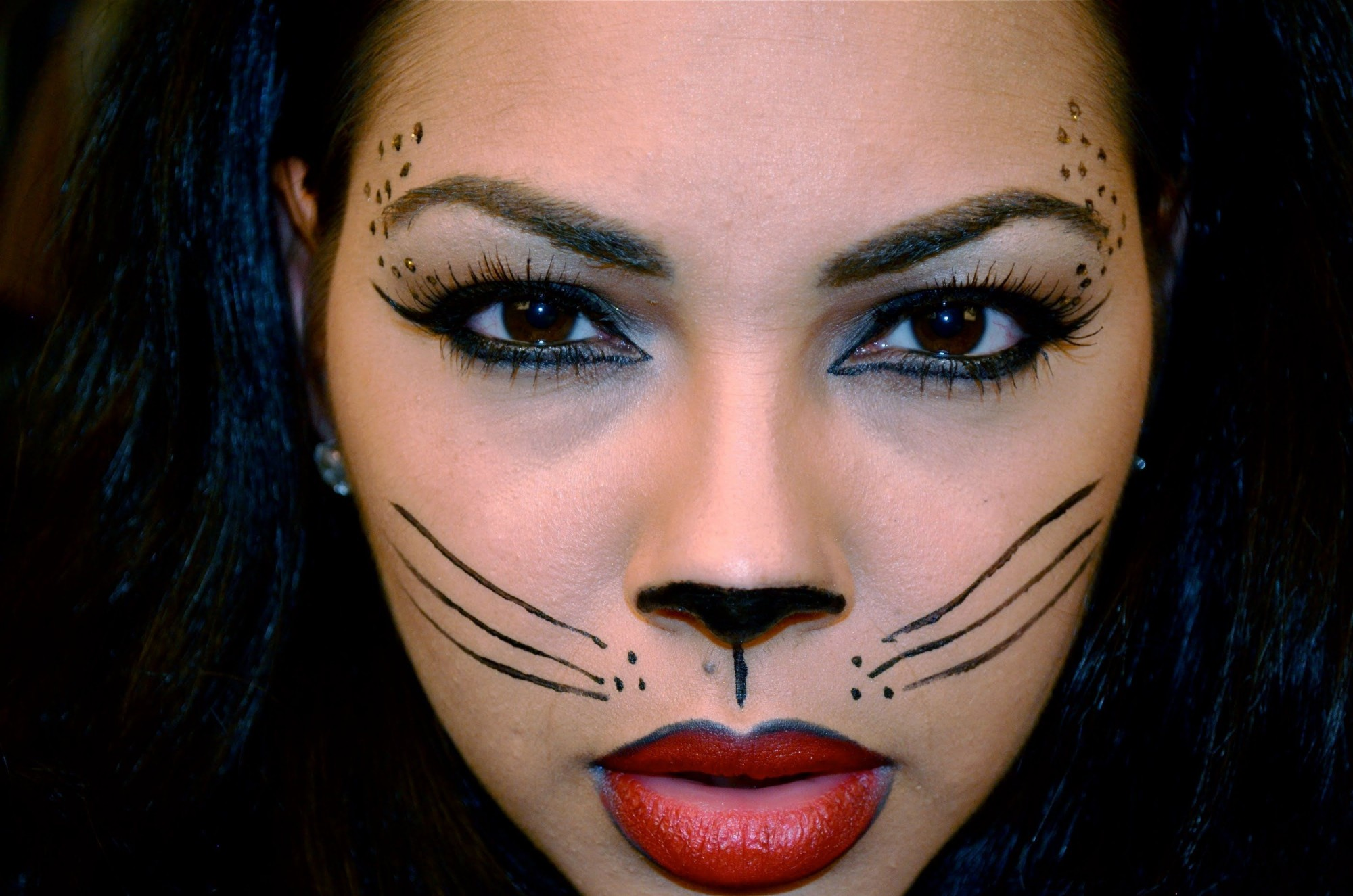 Halloween-Cat-New-Eye-Makeup-with-Black-Hair-Color-2015-2000x1325