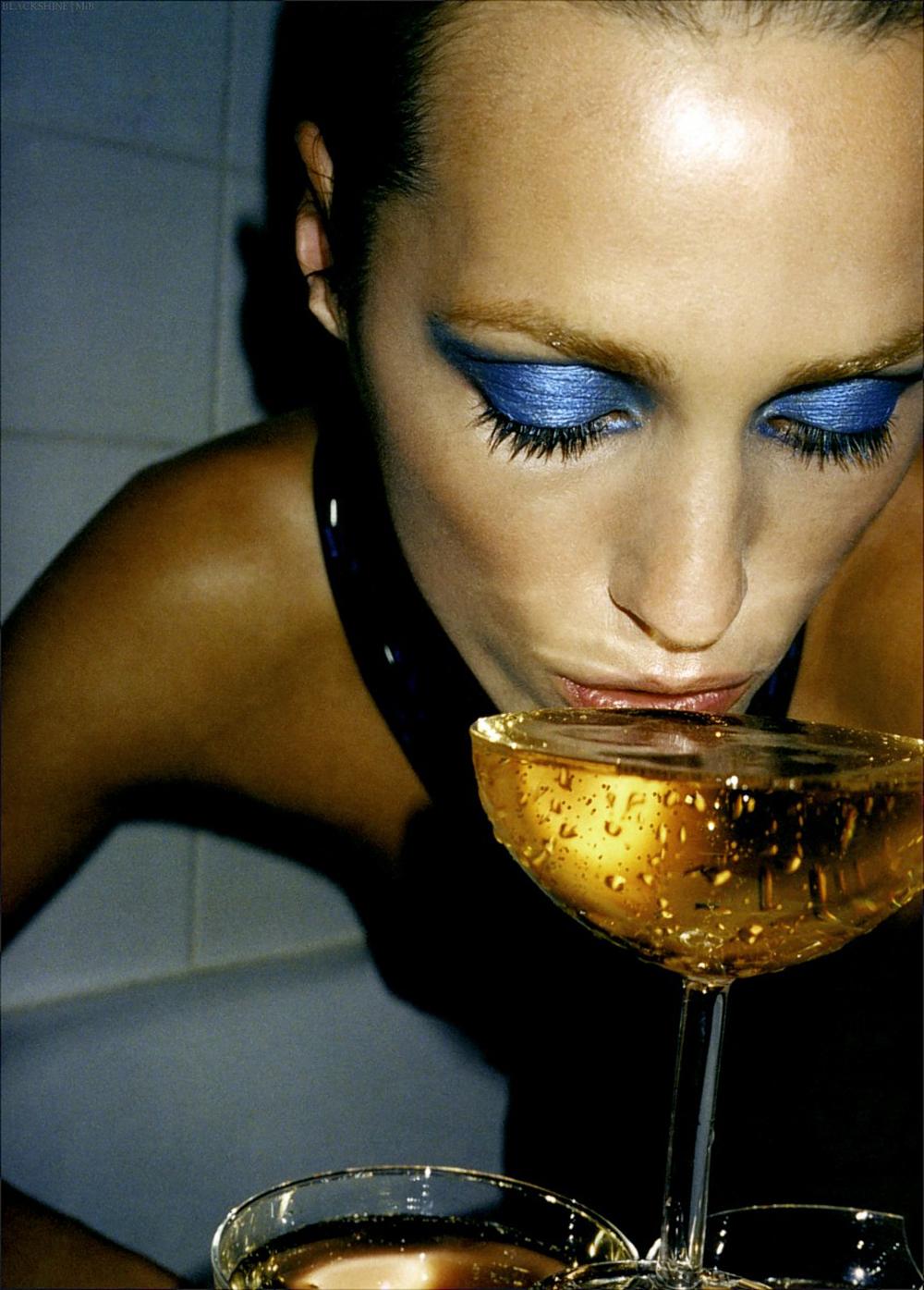 jasmin-le-bon-blue-eyeshadow-youblush