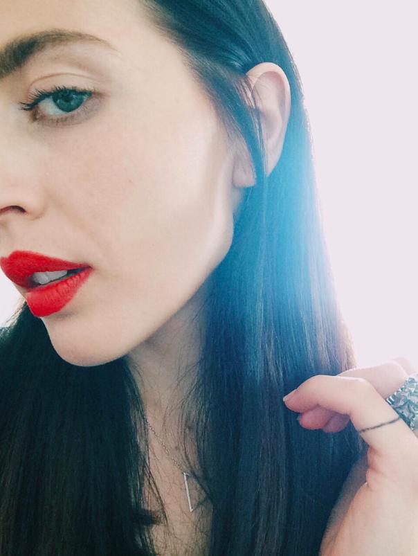 esra-røise-makeup-essentials-youblush